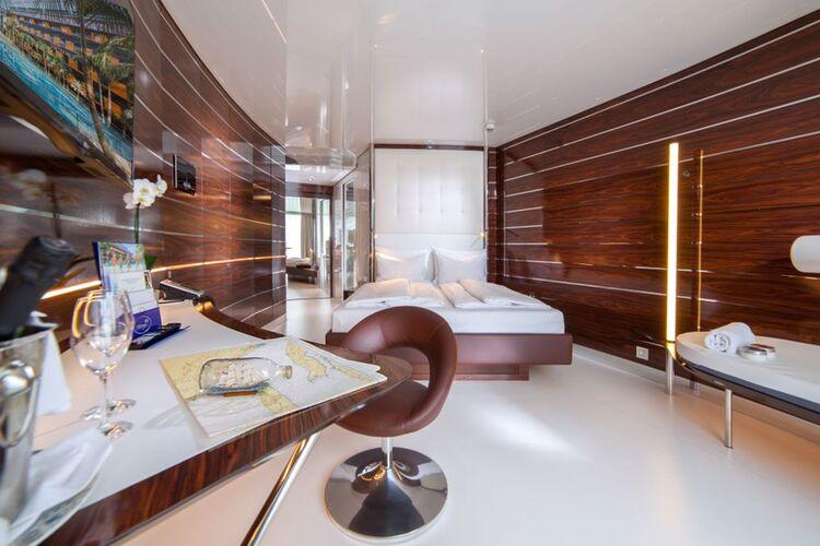 04 Yacht Kabine 1000px 2