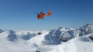Skitourengeher bricht sich Bein