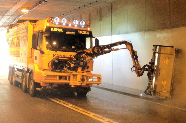 Abb 1 Tunnelreinigung Maschinell