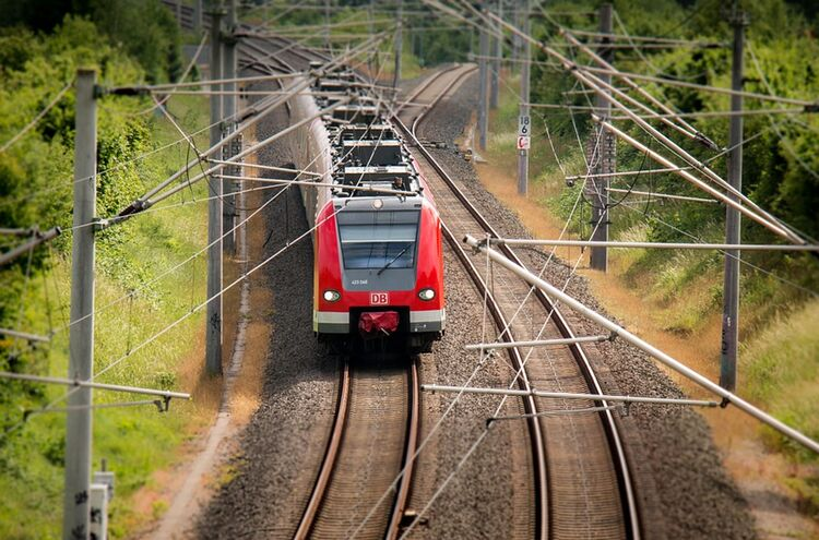 Bahn Symbolbild
