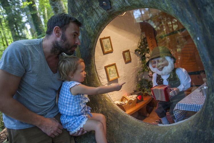 Der Maerchenpark Ruhpolding Mit Seiner Maerchenwelt Ist Ein Beliebter Ausflug