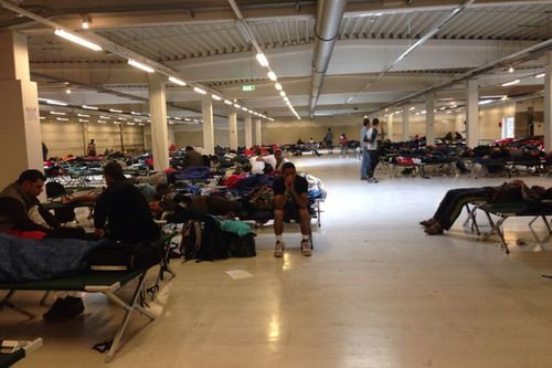 Fluechtlinge Industriehalle Freilssing 2