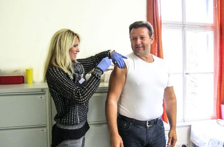 Grippeschutzimpfung Symbolbild