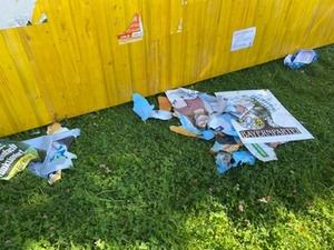 Wahlplakate zerstört