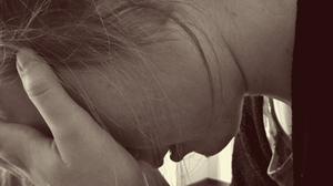 Frau weinen